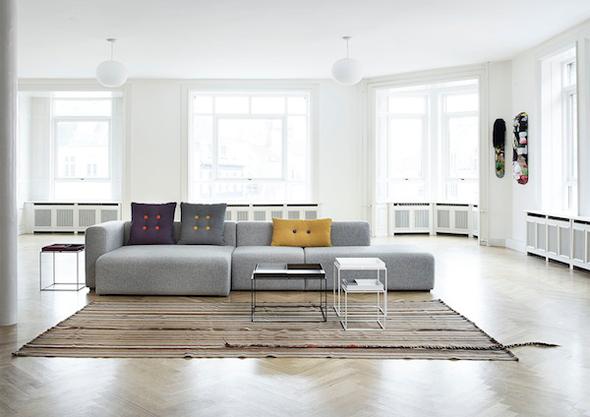 Wij houden erg van Scandinavisch design. Hay heeft de modulaire bank ...
