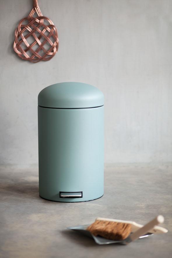 Retro prullenbak Interieur design by nicole u0026 fleur