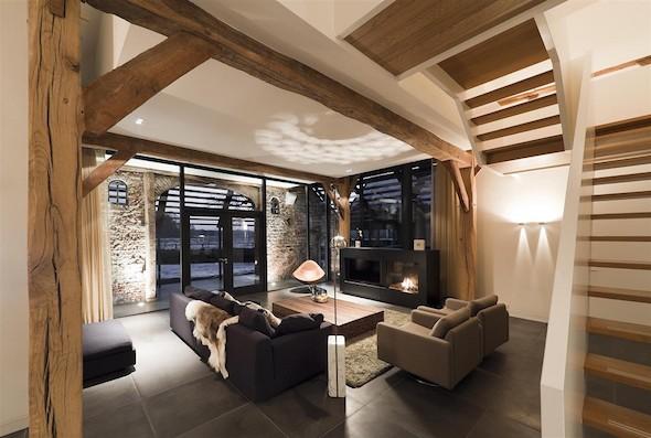 Prachtig wonen in een woonboerderij interieur design by nicole fleur - Deco salon warme kleur ...